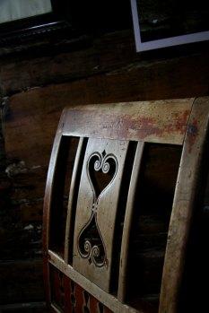 Ein stolrygg, vakker og slitt