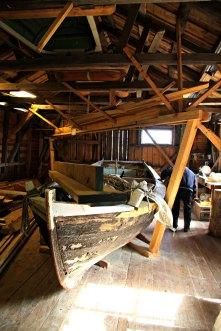Her er det mange gamle båtar å sjå nærare på
