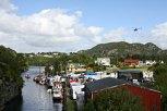 Festpynta båtar i kanalen. Ypperleg vær for dei som spanderte på seg ein helikoptertur for å sjå kanalen og Bømlo frå lufta