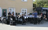 Sagvåg Musikklag hadde konsert på kaia