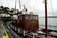 Krysseren M/Y Sporen var tidligere agentbåt for Sundt frem til 1976, og heit då MK Sundt. Båten er bygd i 1933 i Ølve