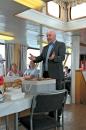 Gjestane ombord i Vestgar fekk KulMat servert av elevar på kulturskulen, under vegleiing av Mett og God - kurs i matglede.