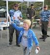 Sotra og Øygarden Jeger og fiskarforeining arrangerte fiskekonkurranse i Landrovågen. Dei har skaffe premier og organiserte og hjalp fiskarane på svaberga, og kom med oppmuntrande ord og råd