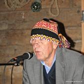 Nils Harald syng Lønosongeb