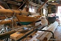 Materialar, båtar og utstyr i hallen