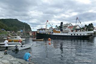 Svaberg og båtar