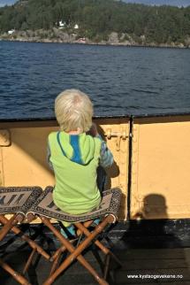 Guten kvilar på INDL - krakk - Indre Nordhordland Dampskips Lag