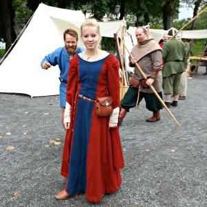 Ei vakker middelalderjente som vart lagt merke til av mennene