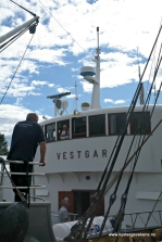 Også ombord i Vestgar gjer ein klart for avgang