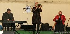 med seg hadde ho også Camilla Søderstrøm Tveit på trombone og Trond Fykse på tangentar