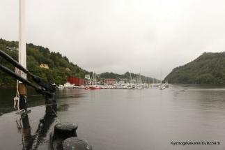 Litlebergen båthavn rett forut