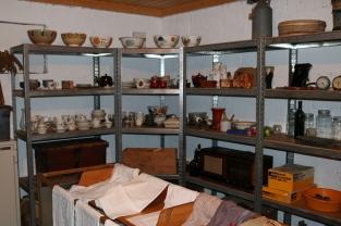 Litt av samlinga med husinventar